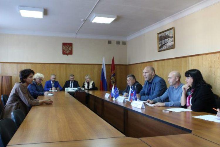 Николай Валуев ответил на личные вопросы жителей Унечи