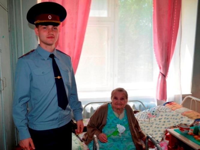Сотрудники ИК-2 посетили брянский дом-интернат для престарелых и инвалидов