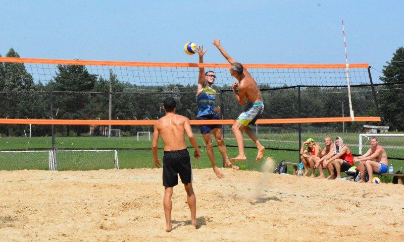 В Унече прошел Международный турнир по пляжному волейболу