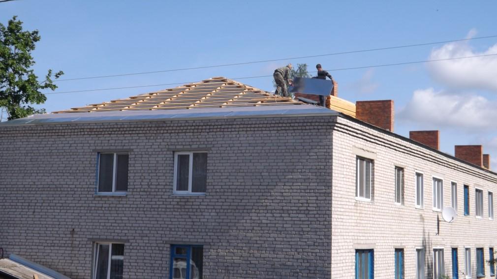 В Климово капитально отремонтировали кровли многоэтажных домов