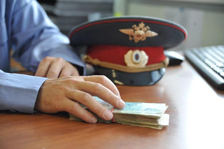 Брянец предложил взятку полицейскому в пачке от сигарет