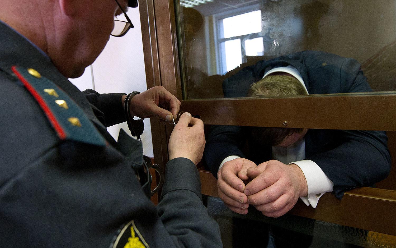 Экс-полковник Брянского УМВД проведет 9,5 лет в колонии за взятку в 5 миллионов рублей