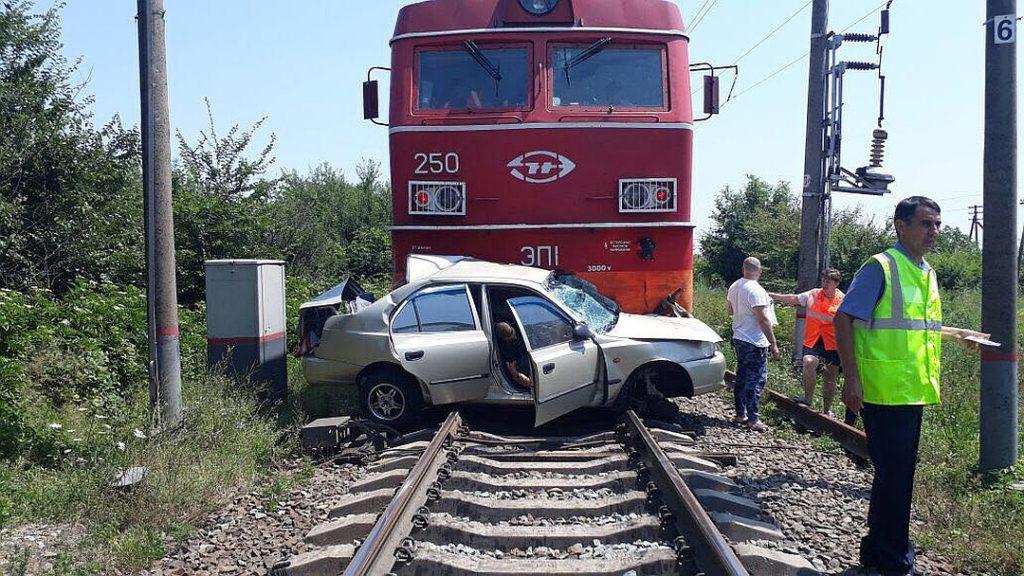 В Брянске зафиксировано 3 дорожно-транспортных происшествия на железных дорогах