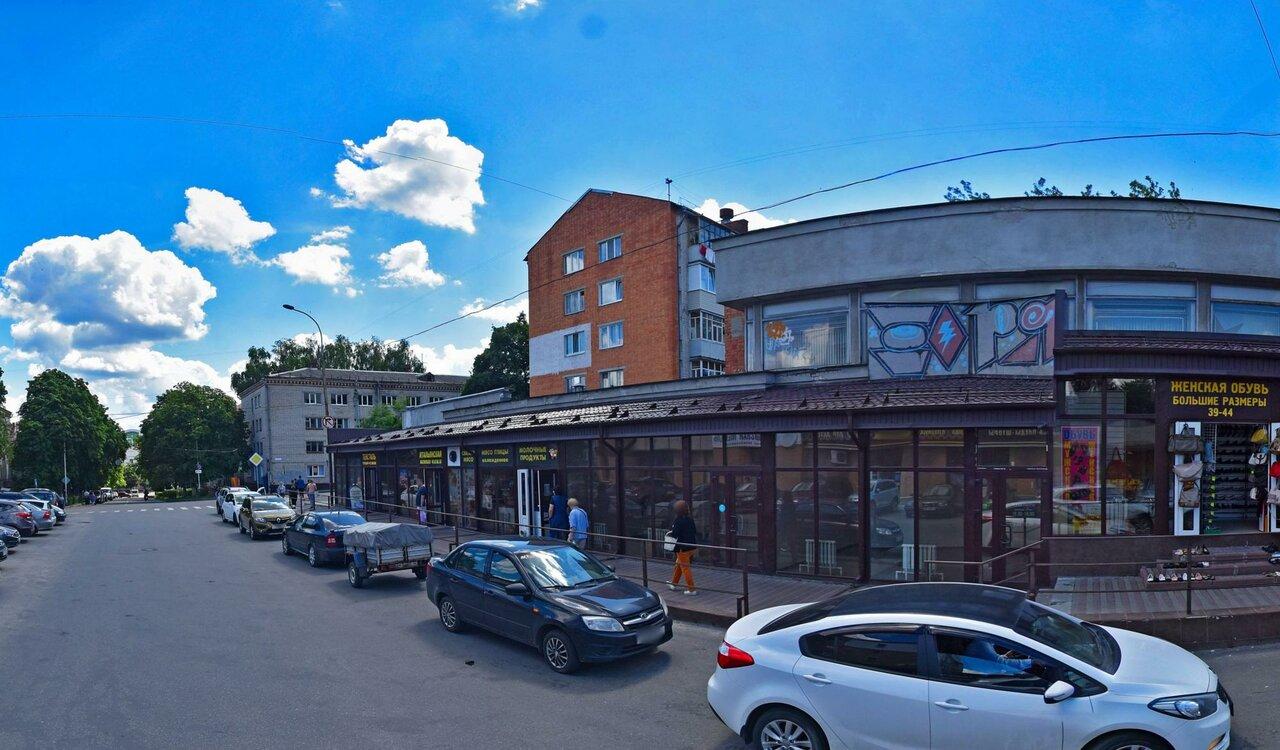 В Брянске признаны незаконными торговые павильоны у художественного музея