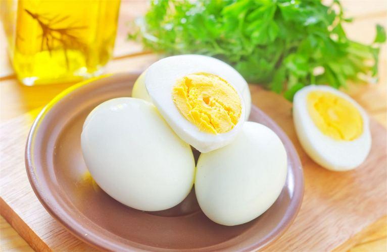 В Брянске подешевели куриные яйца