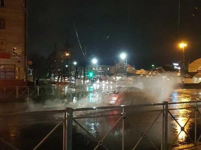 В Брянске после дождя затопило центр Бежицкого района