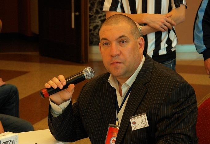 Брянского блогера Виткевича привели в ярость на автозаправке