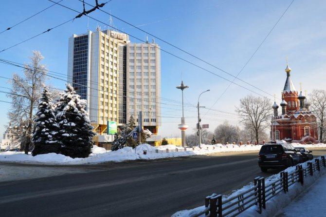 Новые заборы установили на проспекте Ленина в Брянске