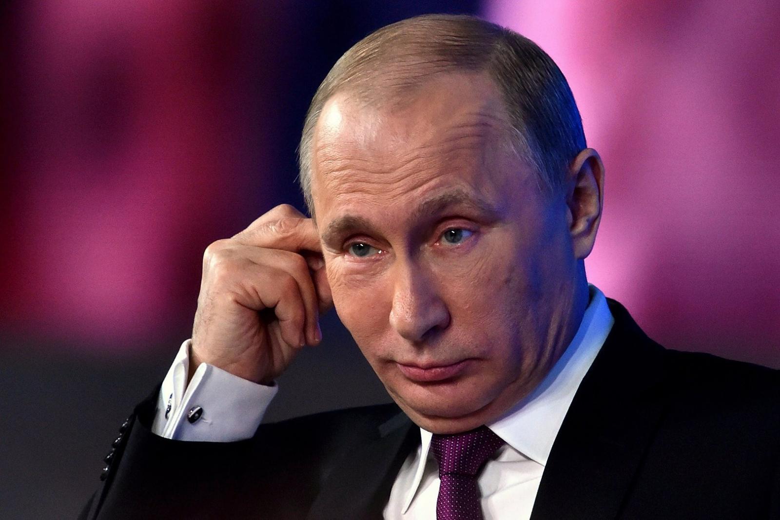 Владимир Путин продлил нерабочие дни до 11 мая