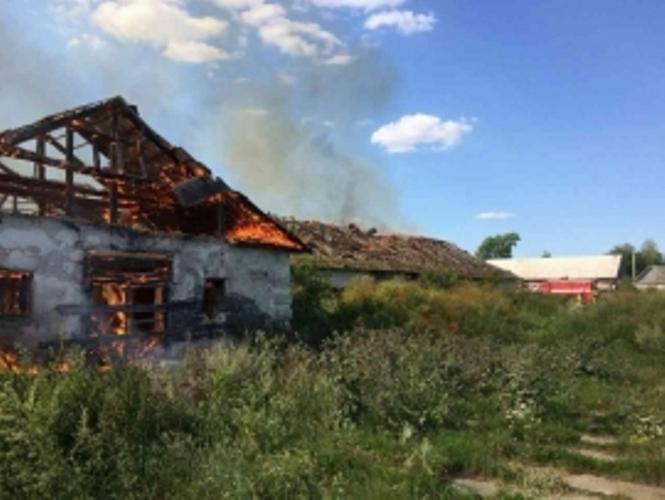 В Брасовском районе сгорело здание