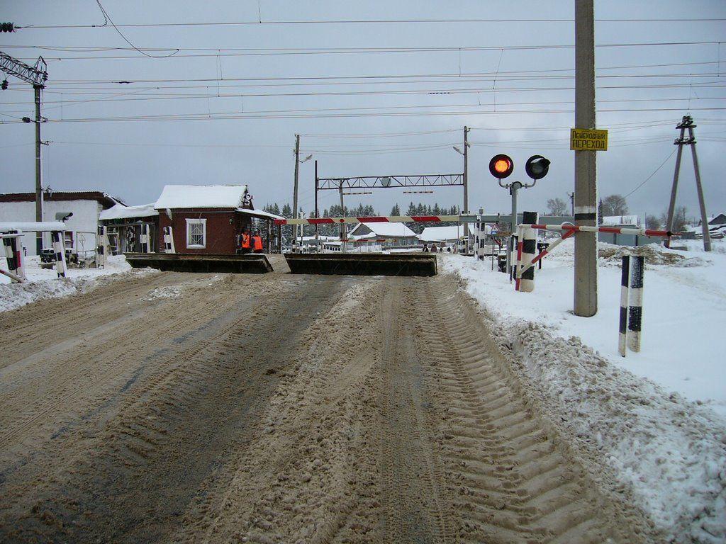 На 8 часов в Брянске ограничат движение на железнодорожном переезде 23 марта