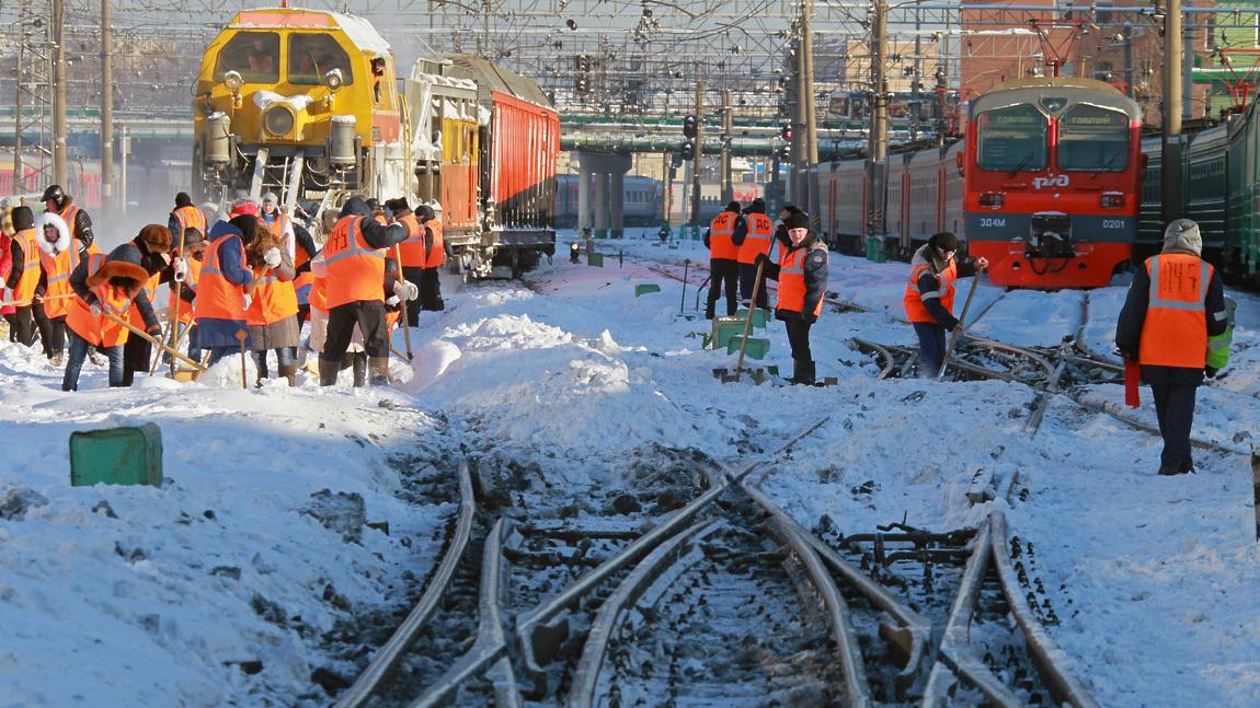 Более 1 600 километров железнодорожных путей очищено от снега в Брянском регионе