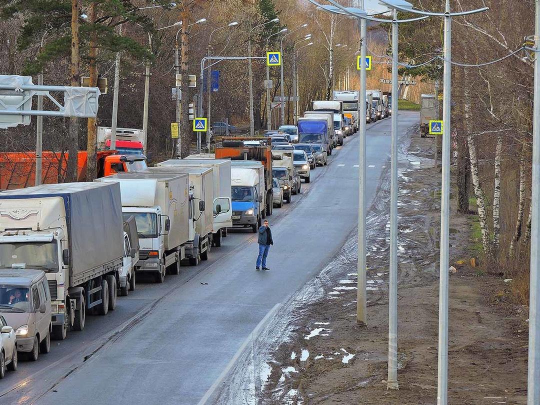 На улице Пушкина в Володарском районе ограничат движение на железнодорожном переезде