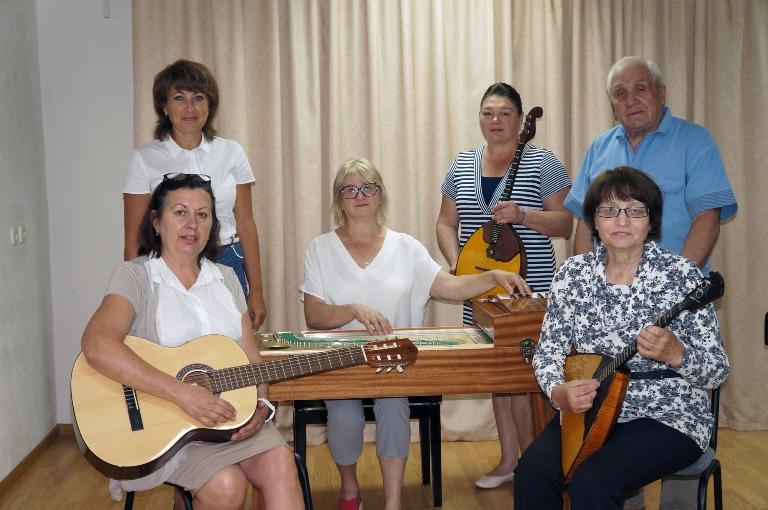 Детская школа искусств имени Николаевой получила новые инструменты