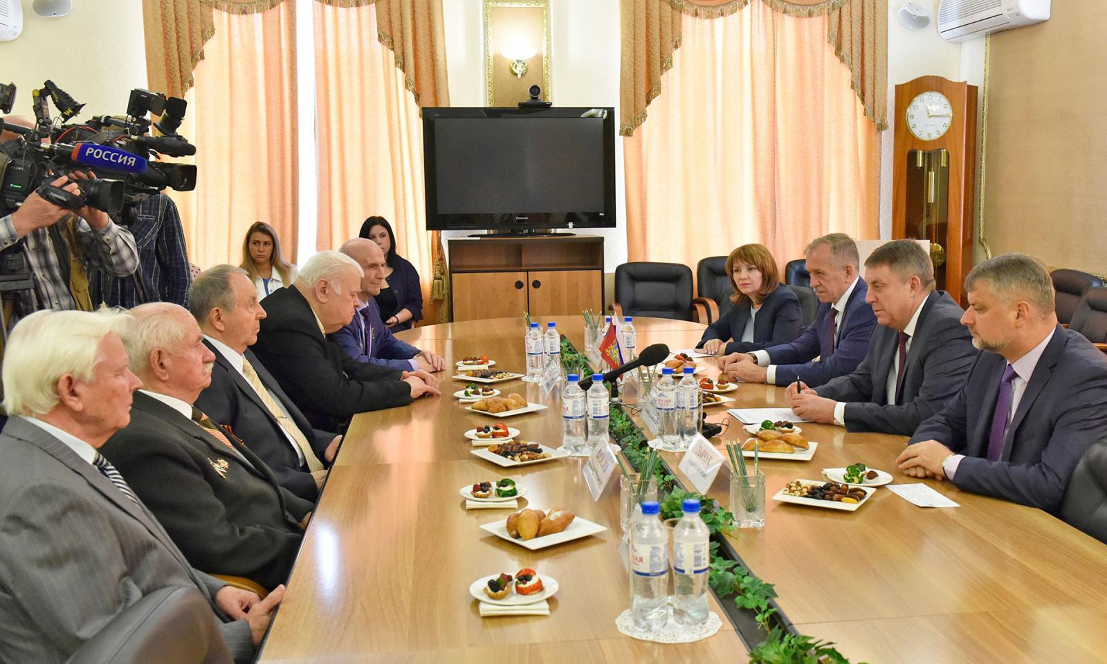 Ветераны строительной отрасли встретились с губернатором Брянской области