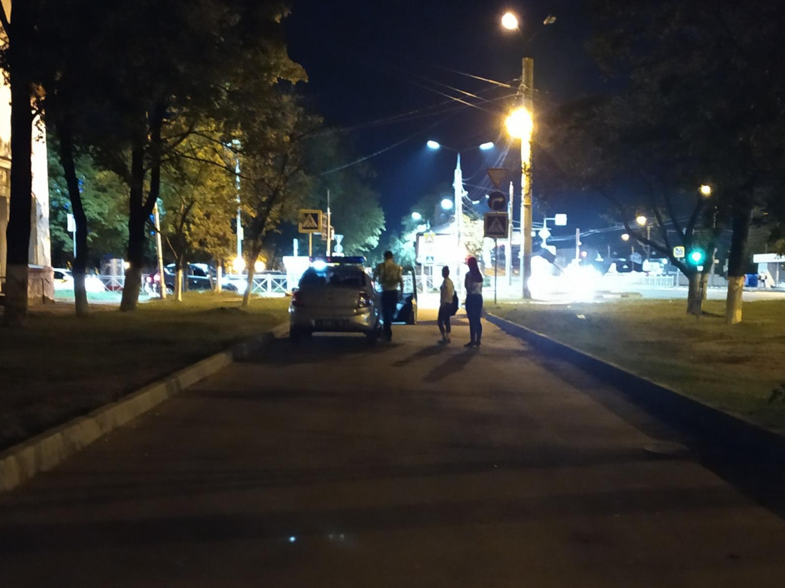 В Брянске продолжает действовать комендантский час для подростков