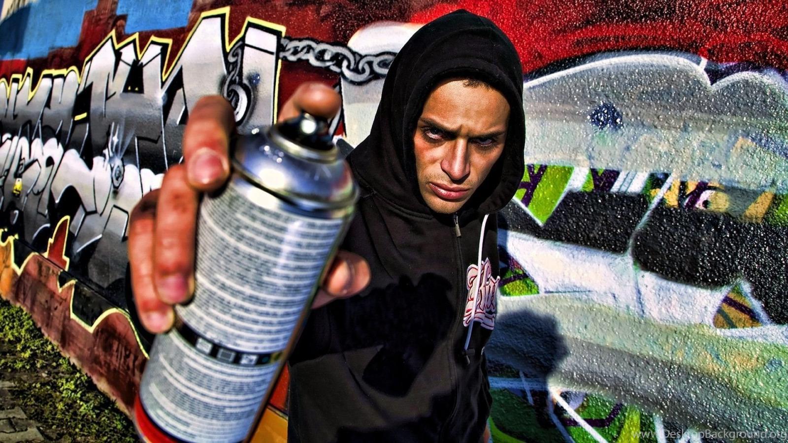 В Советском районе брянца наказали за граффити