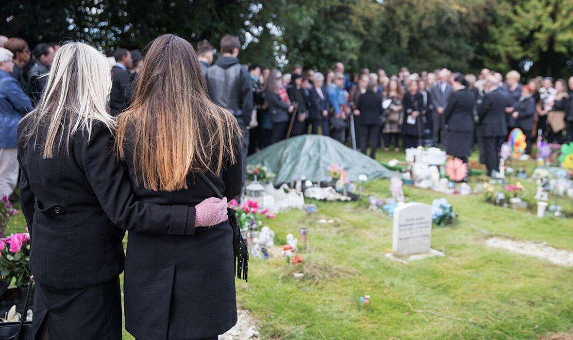 Семья похоронила сына, а он явился на поминки
