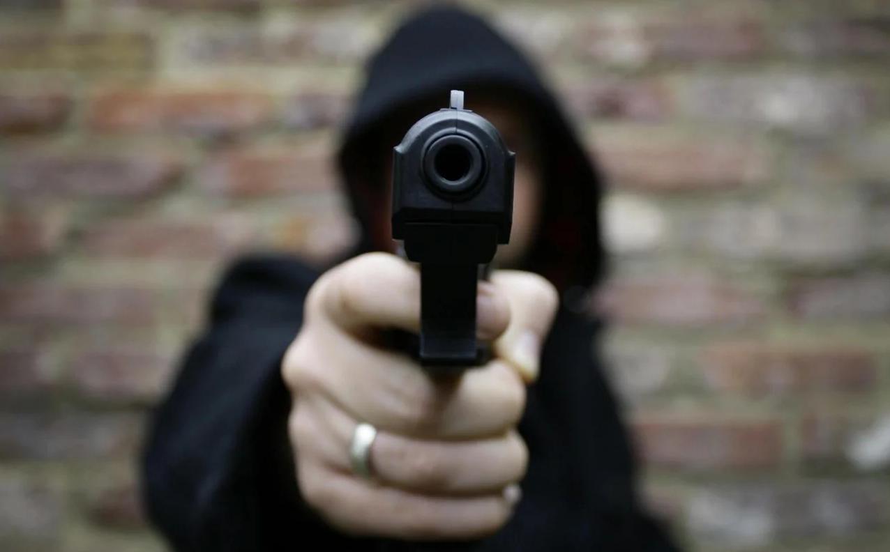 """Неизвестный застрелил мужчину в """"Райской трапезе"""""""
