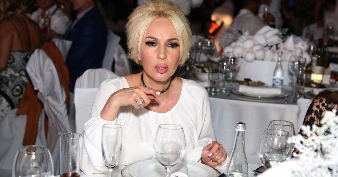 Лера Кудрявцева проглотила кусок стекла вместе с супом