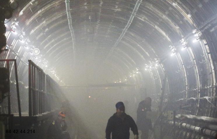 В Питерском метропроизошло короткое замыкание
