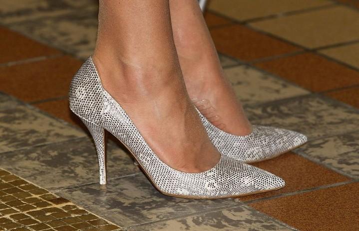 Вот поэтому у Кейт Мидлтон не спадают туфли