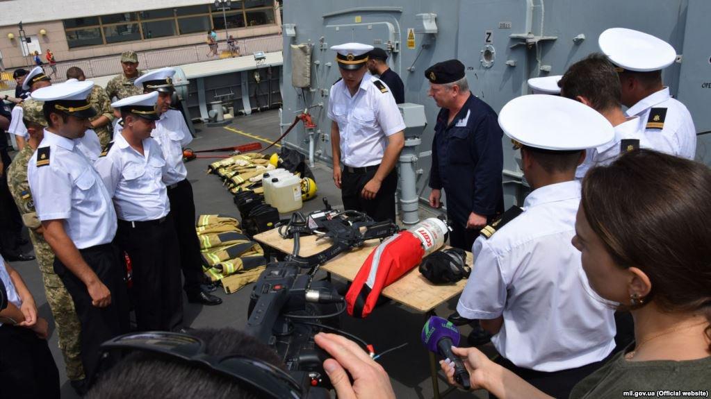 Задержанные украинские моряки доставлены в суд