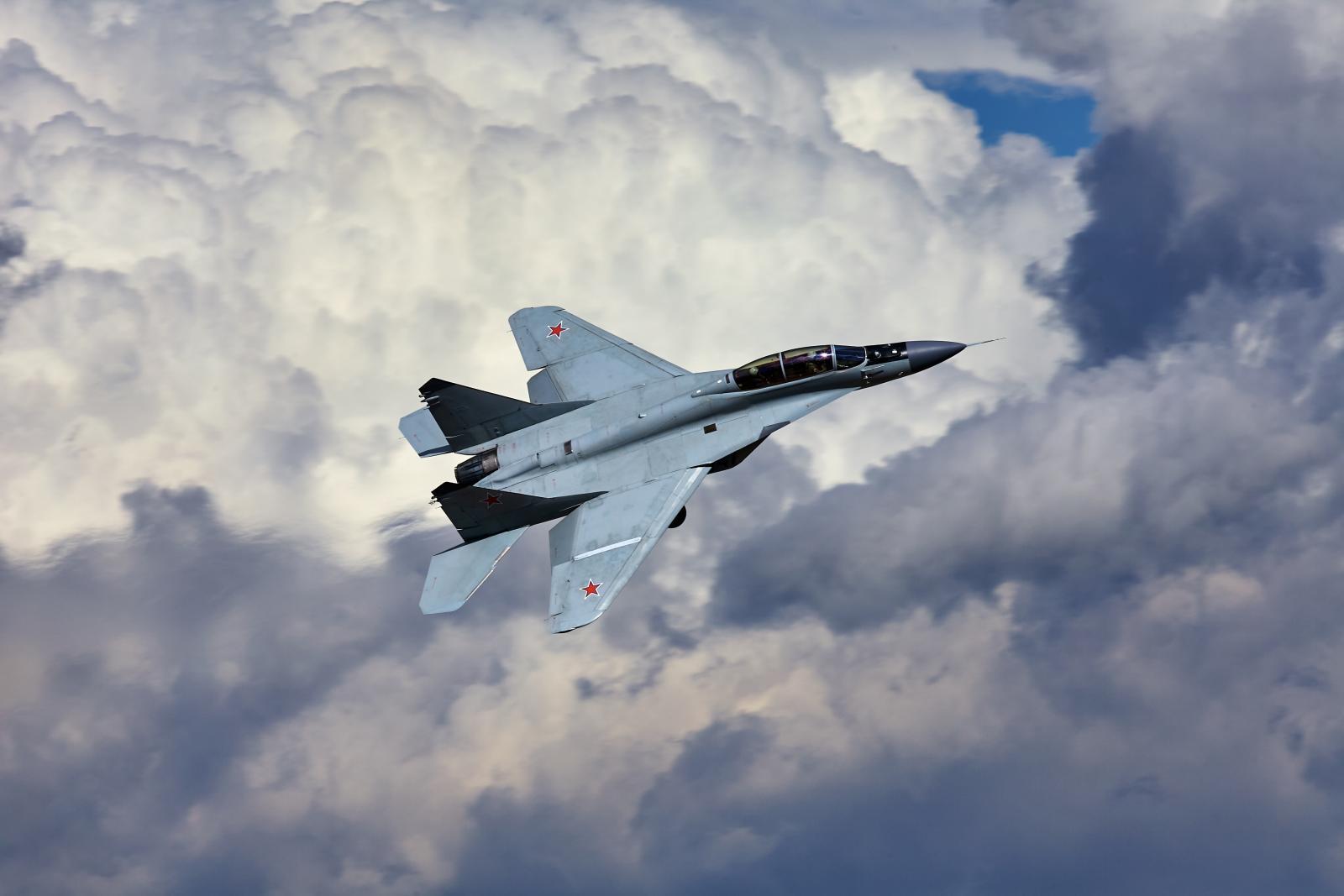 Опять разбился военный самолет