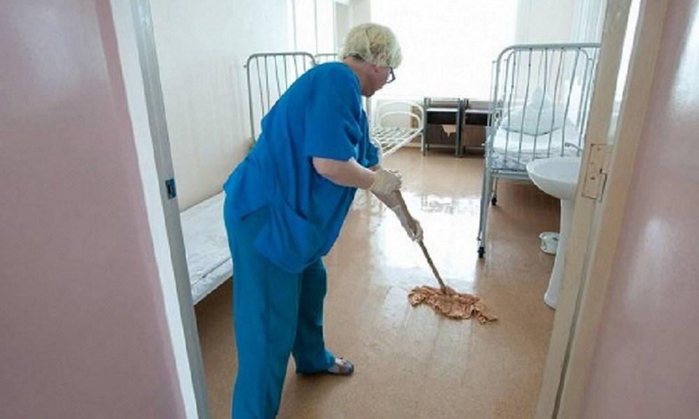 Уборщица лечила больных вместо врачей