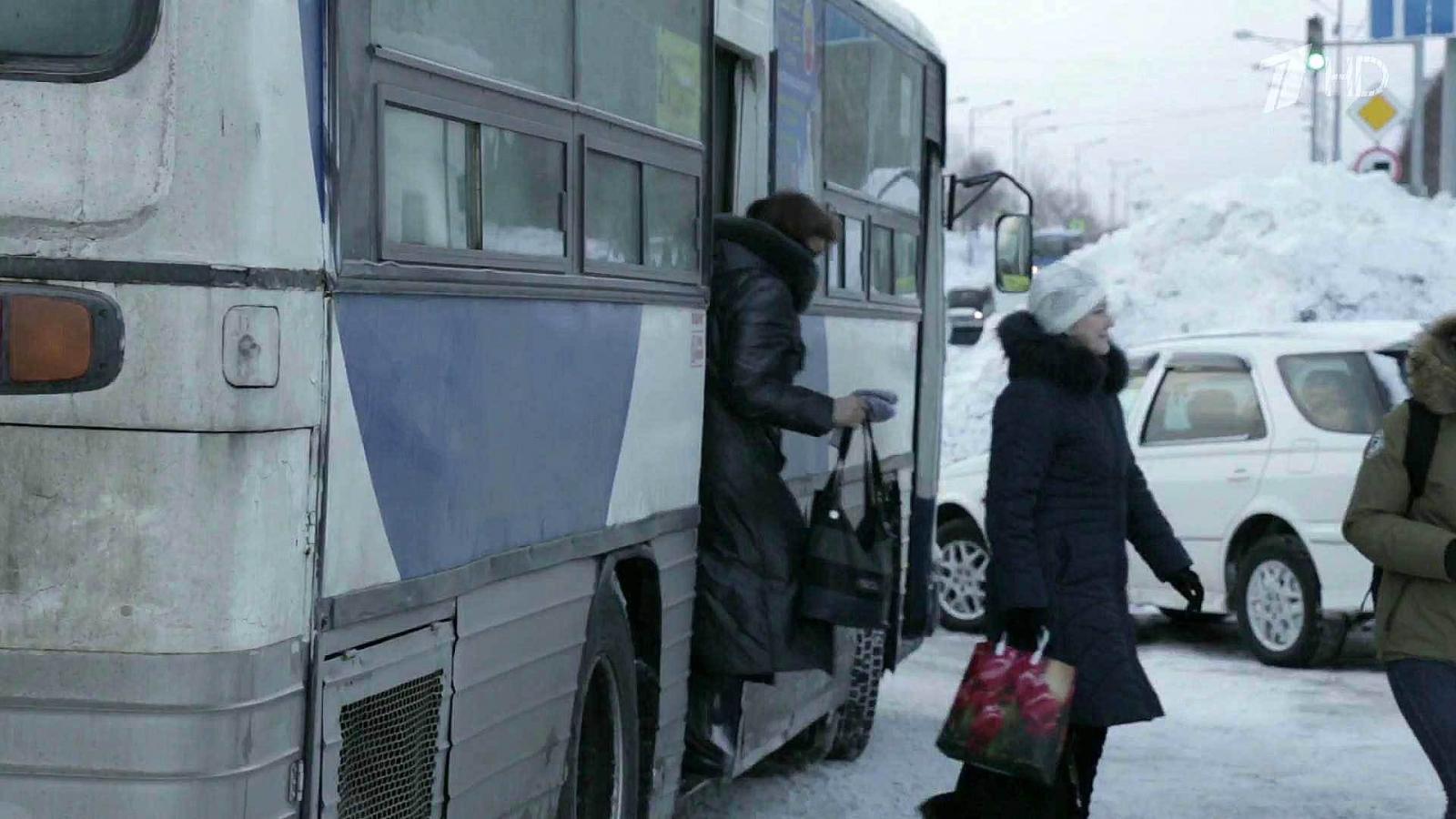 Пенсионерку 500 метров тащил автобус