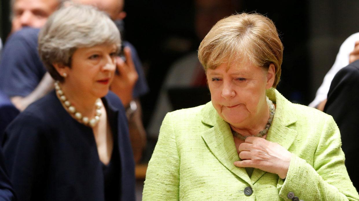 Меркель указала Мэй на место