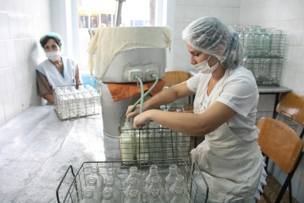 Зарплату иначисленную материальную помощь требовала обратно бывший директор молочной кухни Брянска