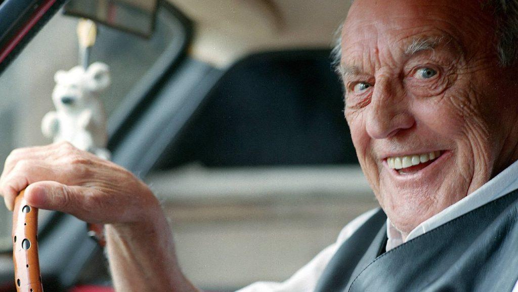 Пьяный пенсионер на брянской трассе вылетел в кювет