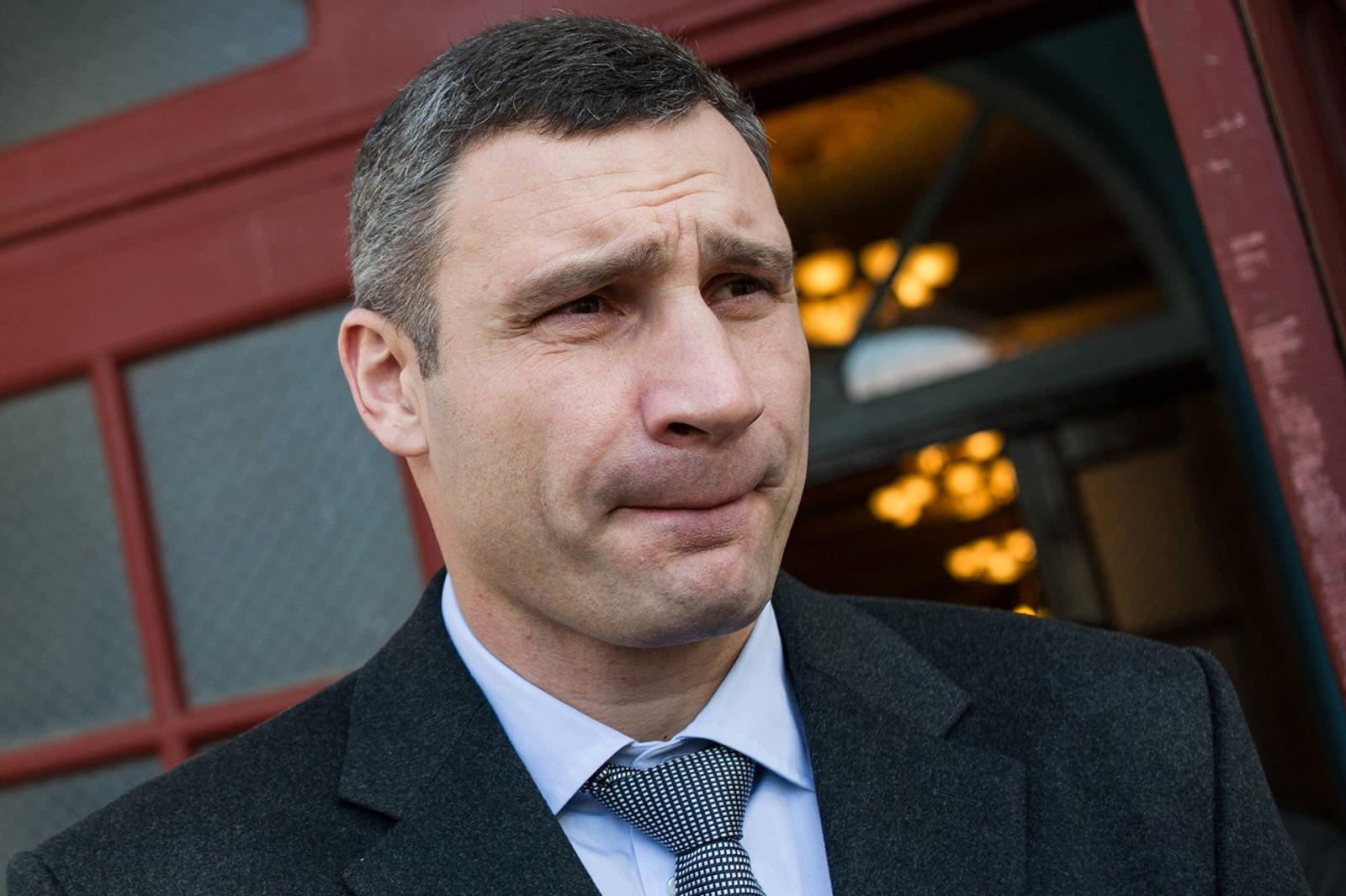 Зеленский потребовал уволить Кличко