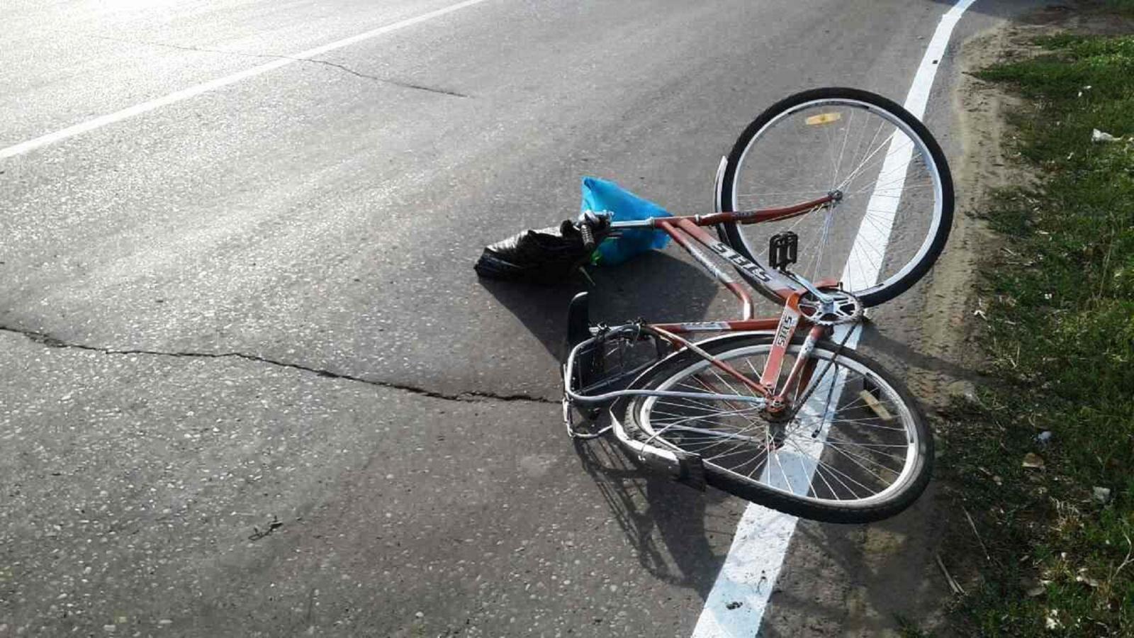 В Почепе велосипедистка сломала ключицу под колесами BMW
