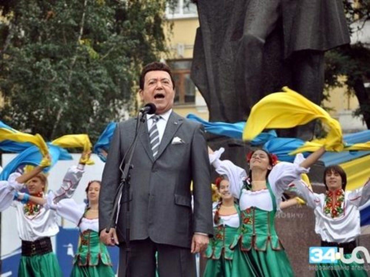 Украина лишила Кобзона госнаград