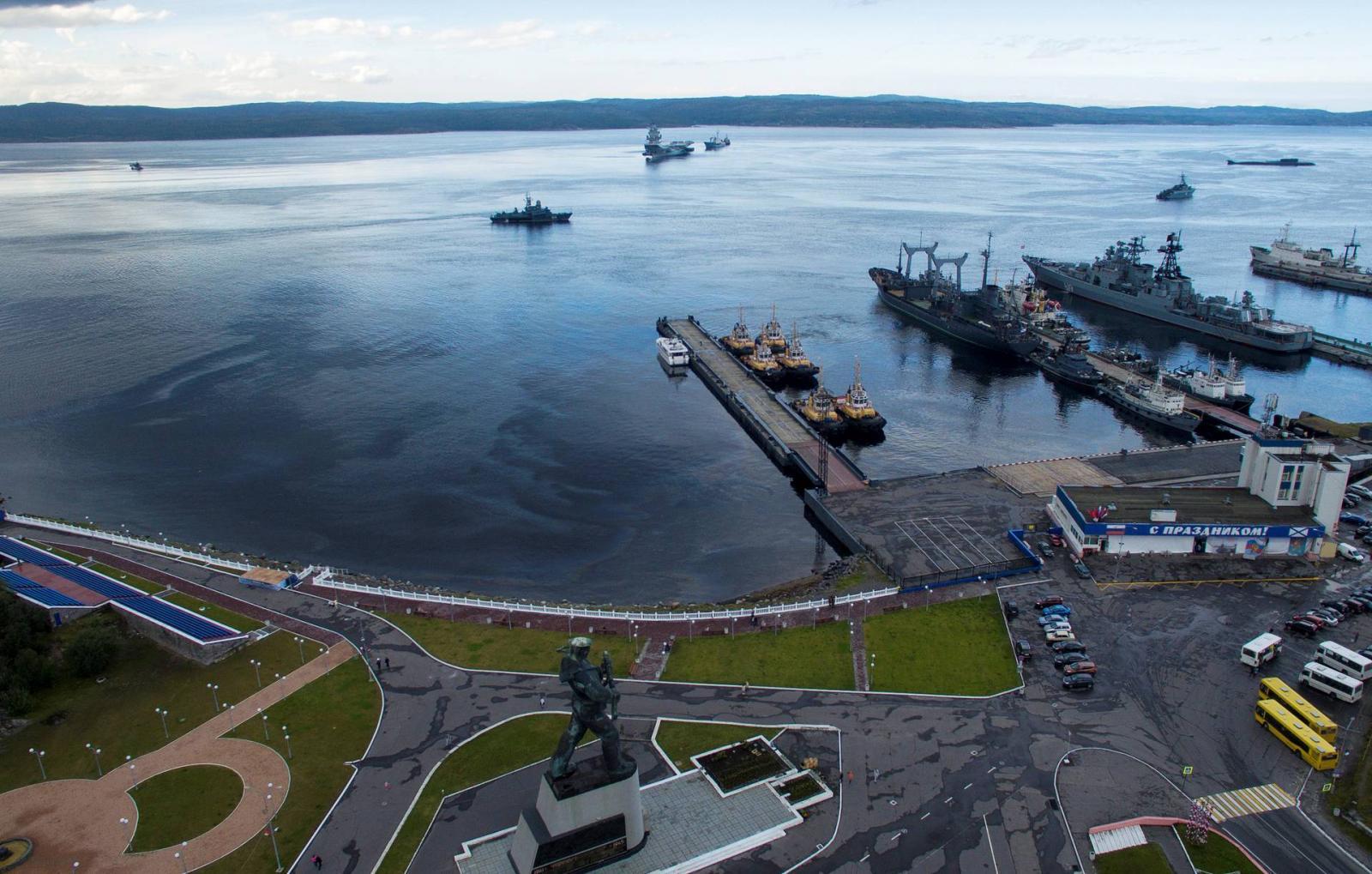 Порт Североморска © REUTERS/Stringer
