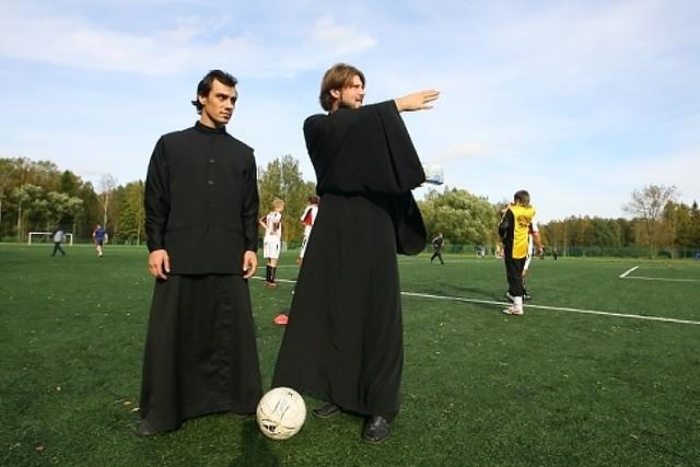 Батюшка поможет выигрывать брянскому «Динамо»