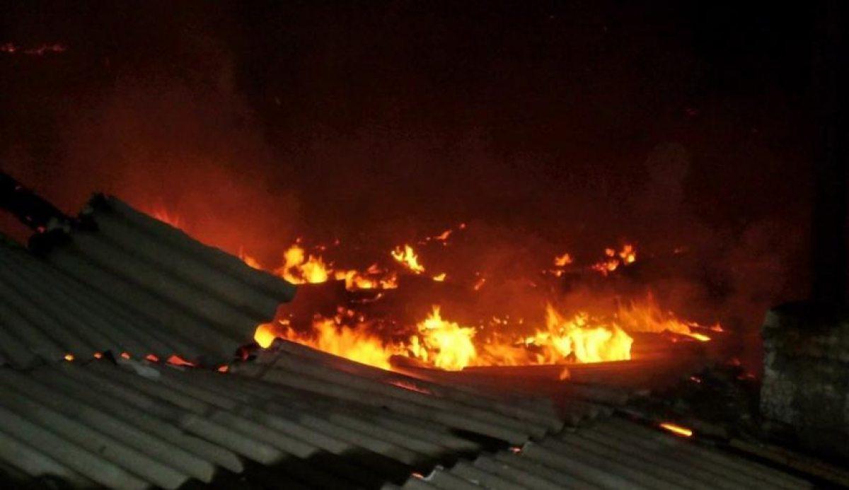 В Клинцах сгорел сарай