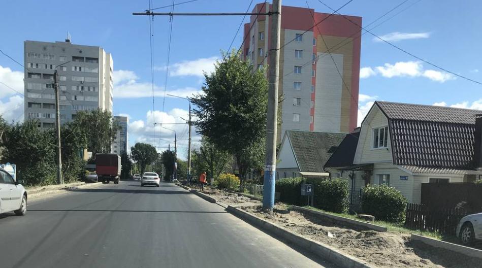 Жители Брянска радуются новым тротуарам