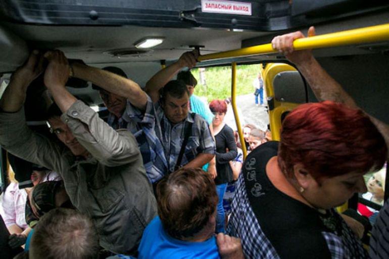 Три человека не удержались в брянских автобусах в минувший четверг