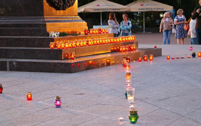 В Брянске в годовщину начала Великой Отечественной войны зажгли свечи