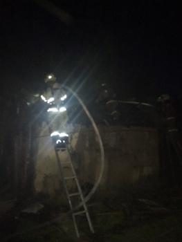 В Фокинском районе Брянска сгорел частный сарай