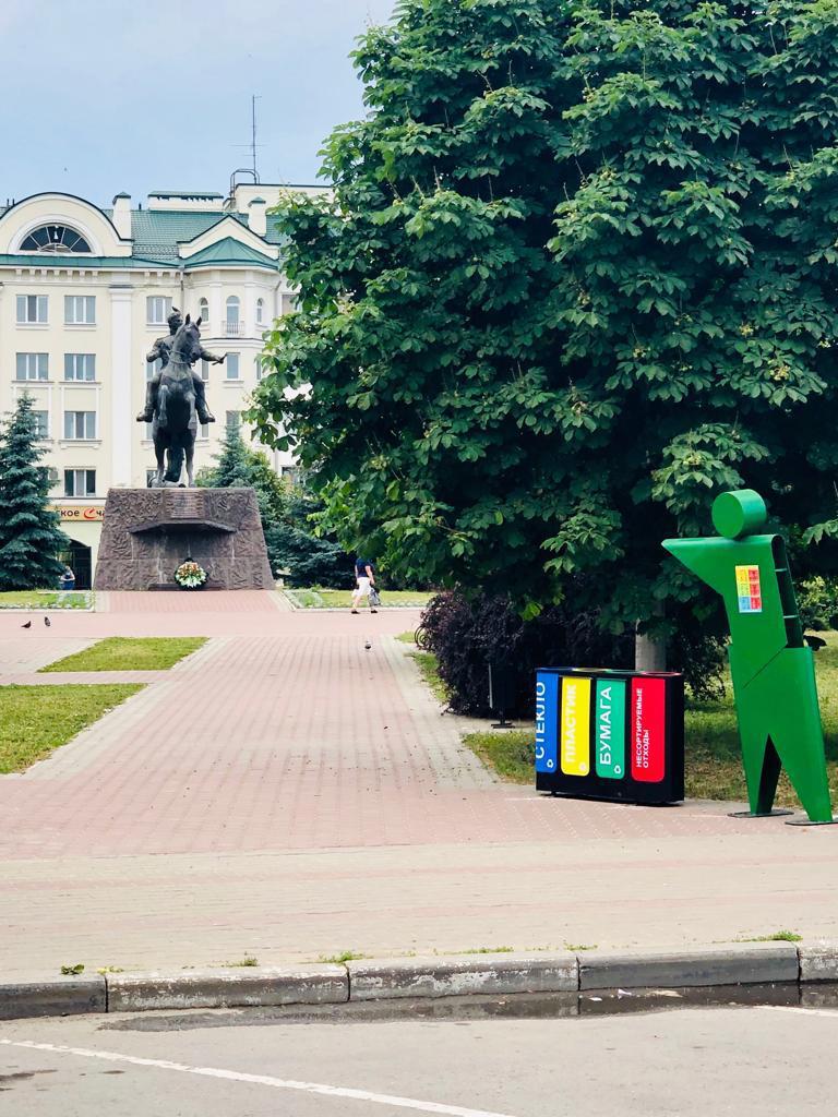 Зеленые человечки появятся возле мусорок в Брянске