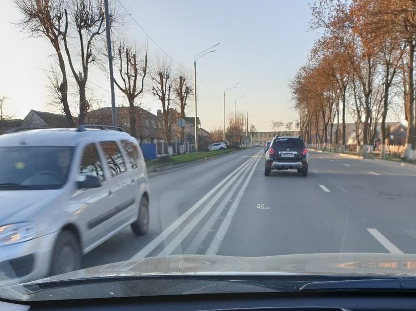 Сразу 4 сплошных обнаружили на дороге Брянска водители