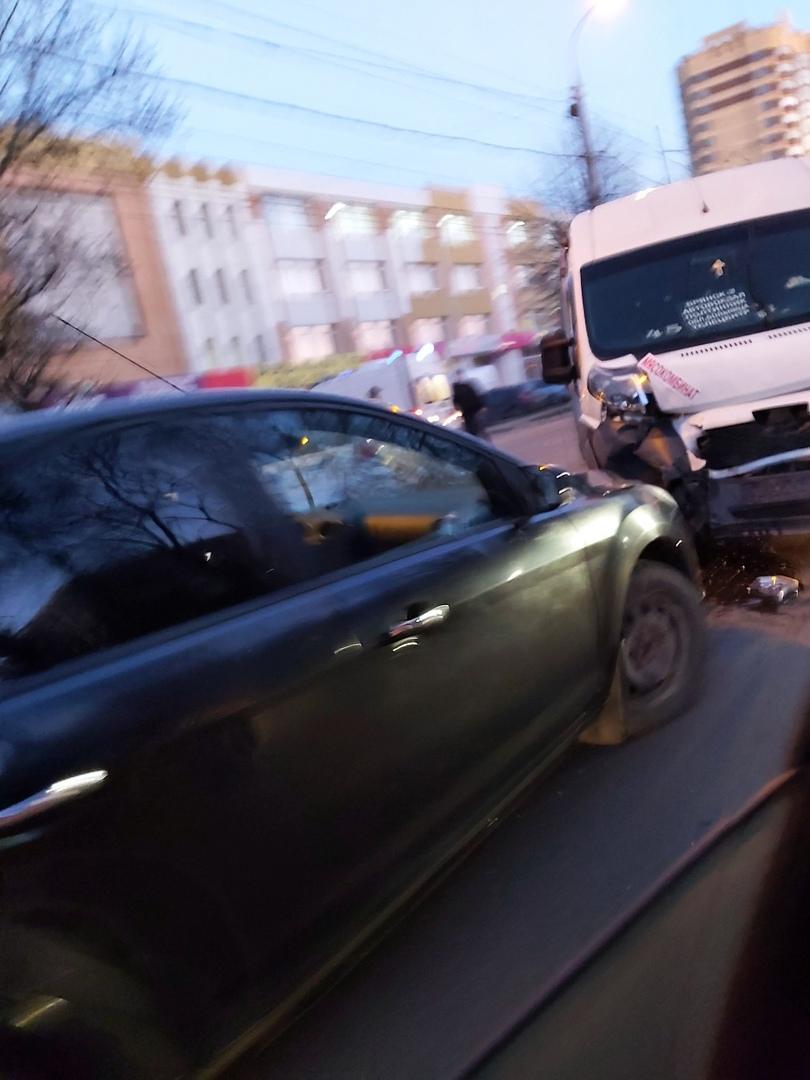 Между Полтинником и Таксопарком в Брянске случилось страшное ДТП