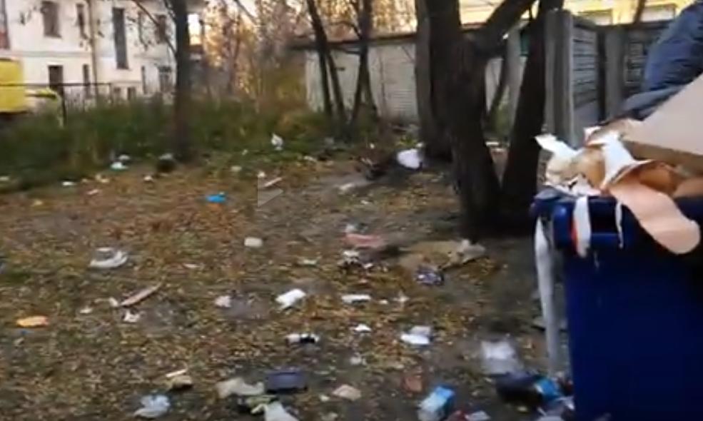 Общежитие БГТУ утопает в мусоре