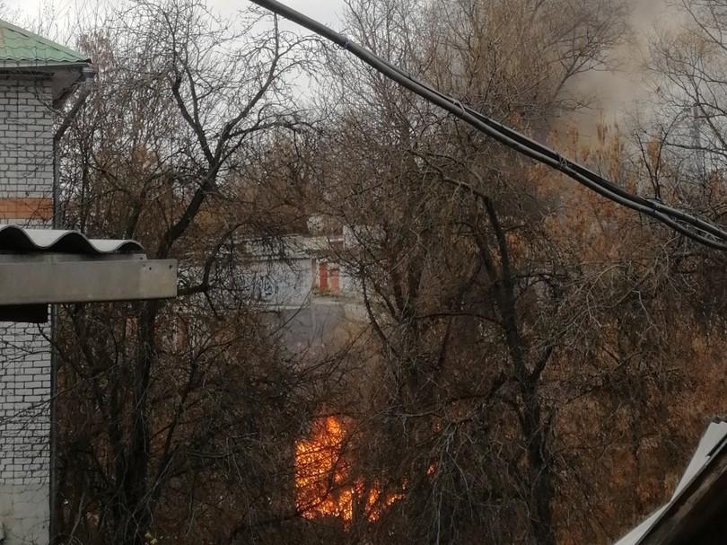 Брянцы сообщают о пожаре в районе Хлебокомбината