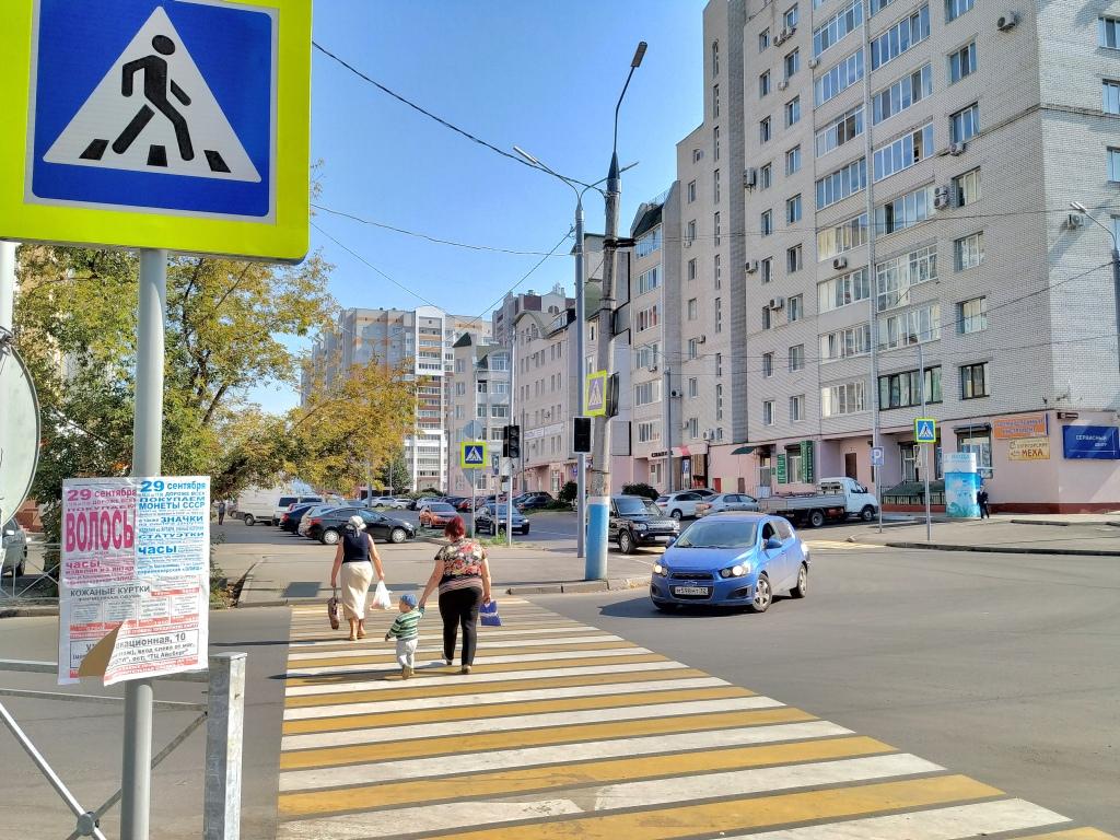 Брянцы недоумевают, зачем поставили светофоры и не включают