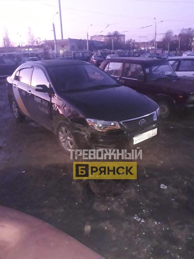 В Брянске нашли таксиста лишенного прав